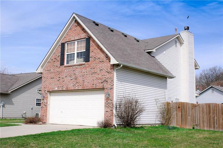 7266 KIDWELL Drive Indianapolis IN 46239 | MLS 21702566 | photo 2