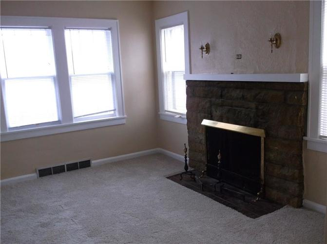 5415 E 10th Street Indianapolis IN 46219 | MLS 21702598 | photo 2