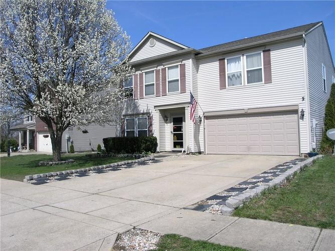 8740 Liberty Mills Drive Camby IN 46113 | MLS 21702734 | photo 1