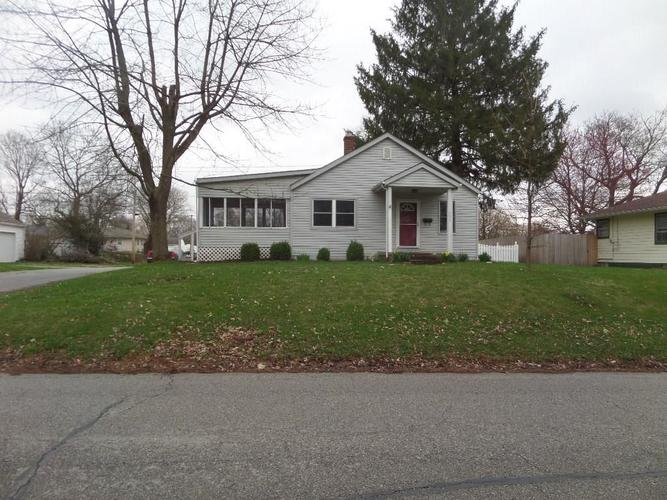 703 S East Street Plainfield IN 46168 | MLS 21702745 | photo 1