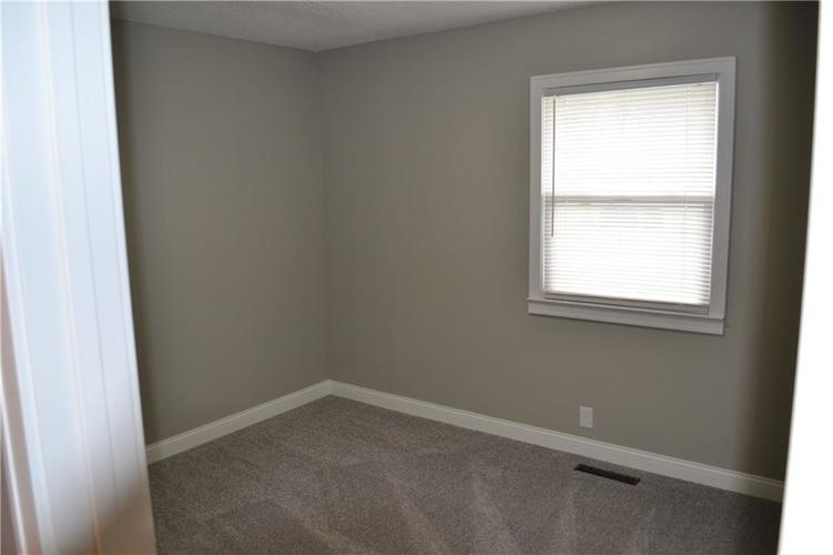6050 E Raymond Street Indianapolis IN 46203 | MLS 21702748 | photo 21