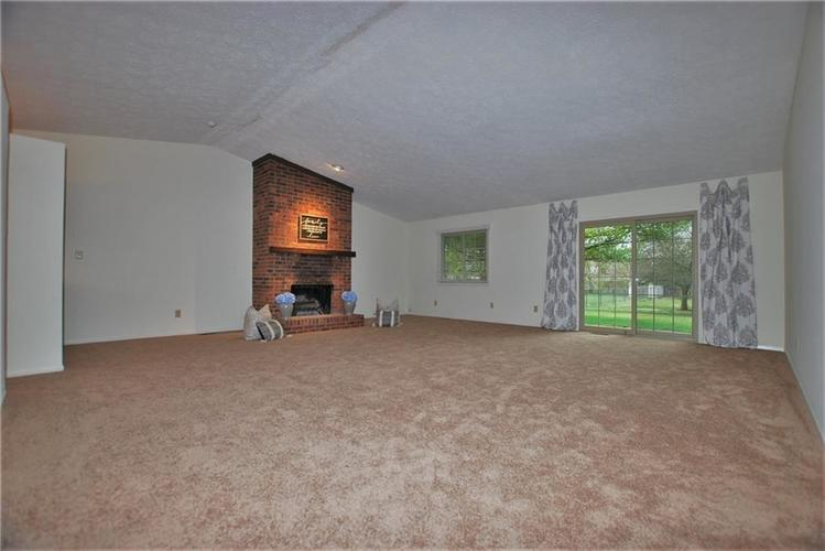 1019 S Harbour Drive Noblesville IN 46062 | MLS 21702752 | photo 10