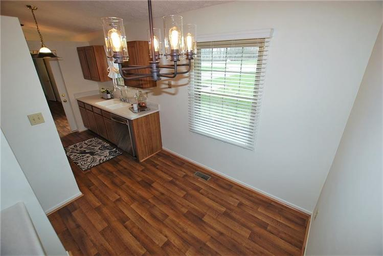1019 S Harbour Drive Noblesville IN 46062 | MLS 21702752 | photo 14