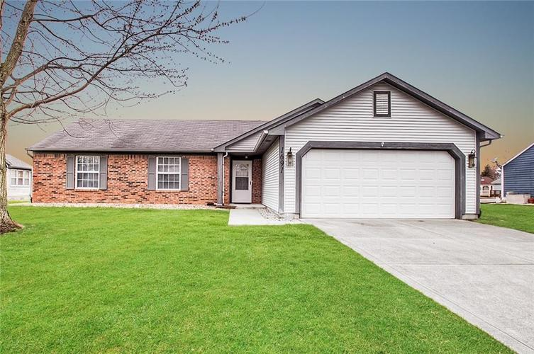 1691 Fountain Lake Drive E Shelbyville IN 46176 | MLS 21702777 | photo 1