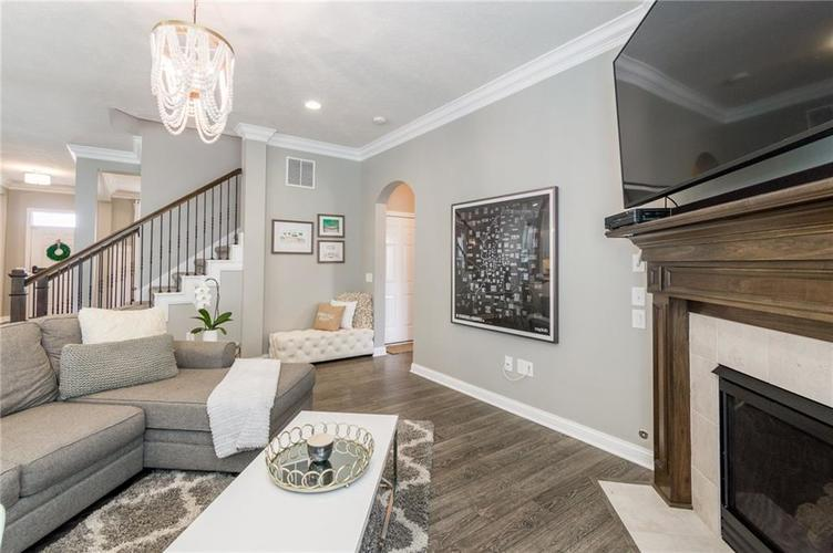 9213 BROOKSTONE Place Zionsville IN 46077   MLS 21703153   photo 18