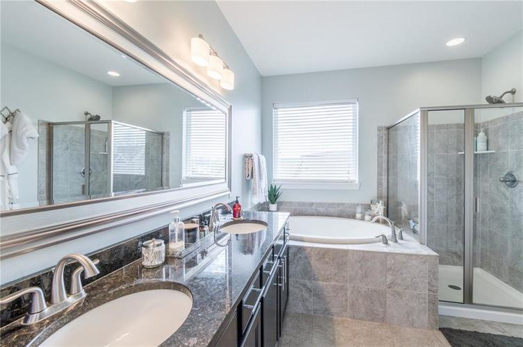 9213 BROOKSTONE Place Zionsville IN 46077   MLS 21703153   photo 39