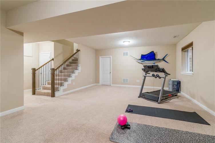 9213 BROOKSTONE Place Zionsville IN 46077   MLS 21703153   photo 40