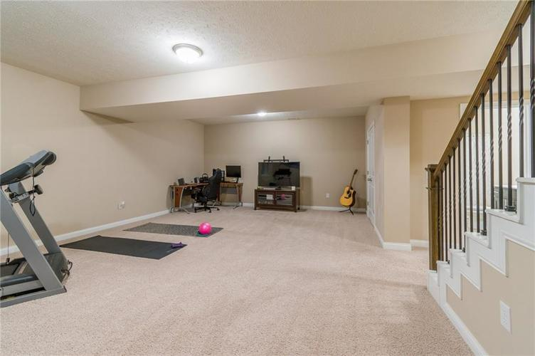 9213 BROOKSTONE Place Zionsville IN 46077   MLS 21703153   photo 41