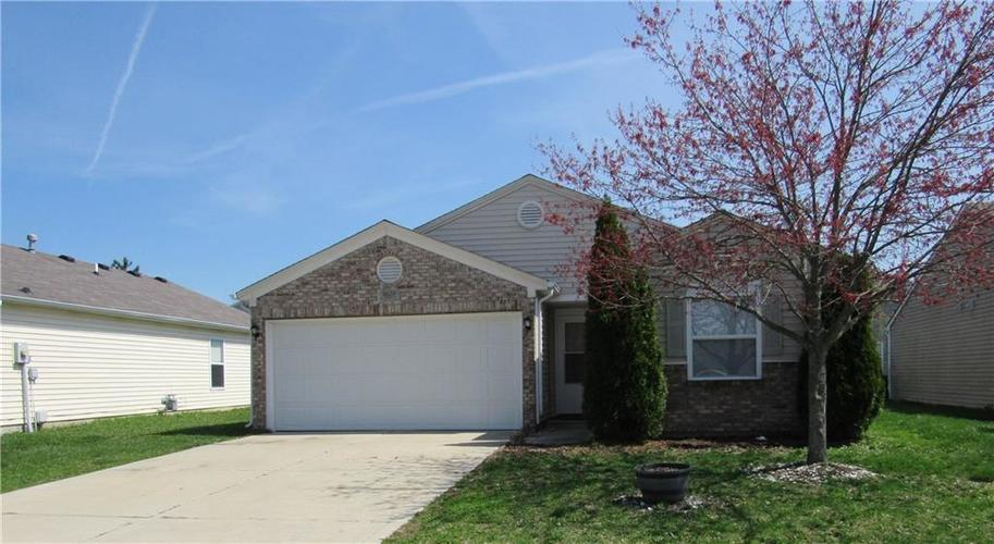 8629 Bluff Point Way Camby IN 46113 | MLS 21703194 | photo 1