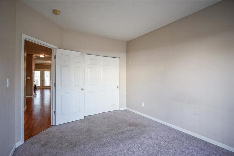 1068 Reserve Way Indianapolis IN 46220 | MLS 21703212 | photo 12