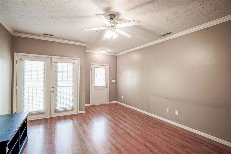 1068 Reserve Way Indianapolis IN 46220 | MLS 21703212 | photo 4