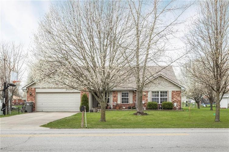 7930 Combs Road Indianapolis IN 46237 | MLS 21703290 | photo 1