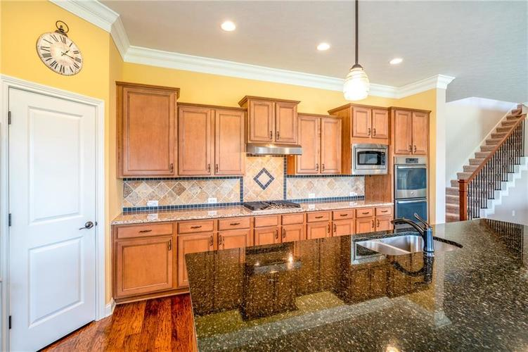 16765 MAINES VALLEY Drive Noblesville IN 46062 | MLS 21703377 | photo 11