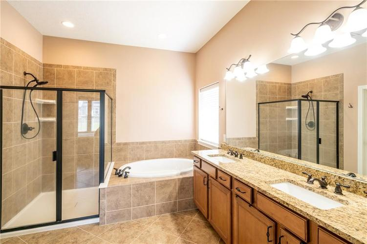 16765 MAINES VALLEY Drive Noblesville IN 46062 | MLS 21703377 | photo 18