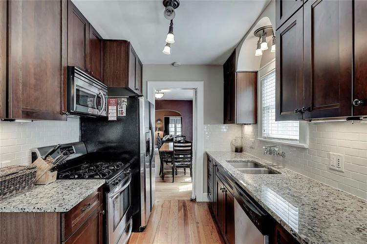 6026 HAVERFORD Avenue Indianapolis IN 46220 | MLS 21703398 | photo 21