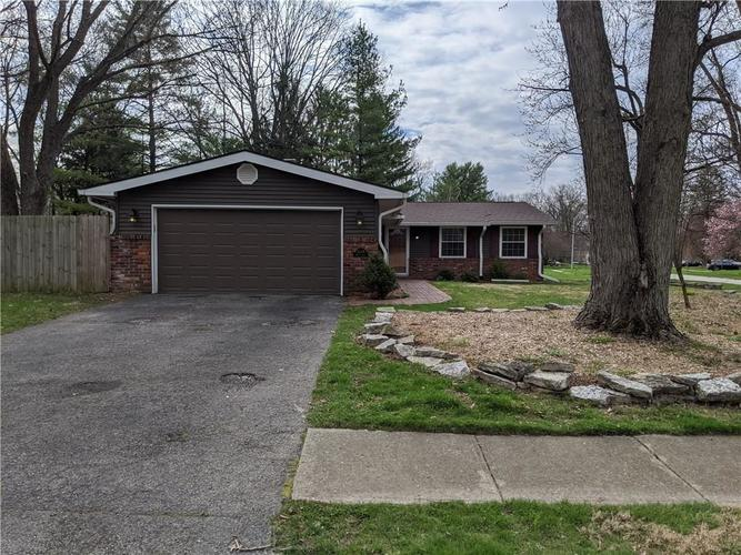 8249 Hoover Lane Indianapolis IN 46260 | MLS 21703513 | photo 12