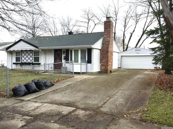 2537 N Routiers Avenue Indianapolis IN 46219 | MLS 21703566 | photo 1