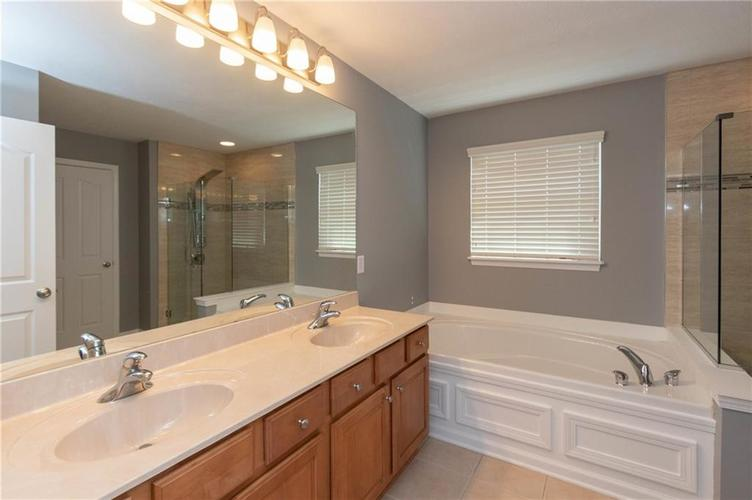 11835 Kittery Drive Fishers IN 46037 | MLS 21703573 | photo 29