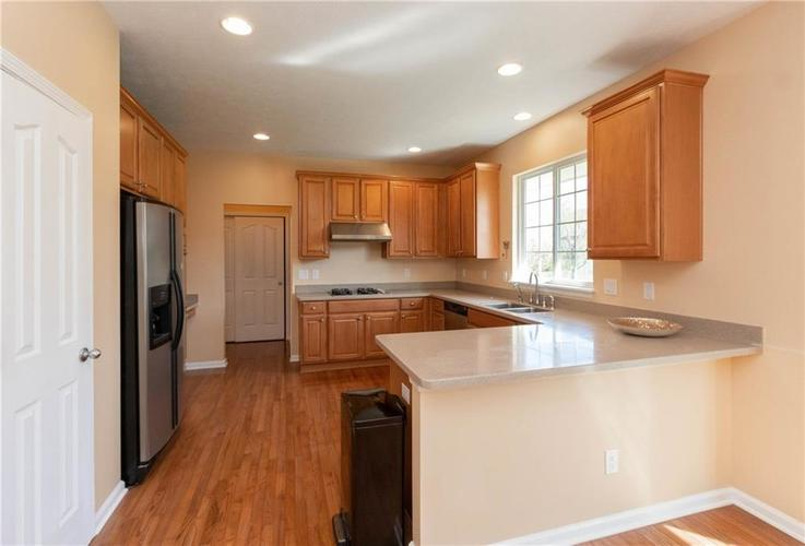 11835 Kittery Drive Fishers IN 46037 | MLS 21703573 | photo 4