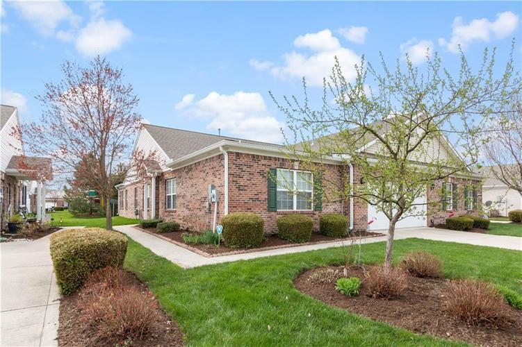 10609 Pine Valley Path Indianapolis IN 46234 | MLS 21703706 | photo 1