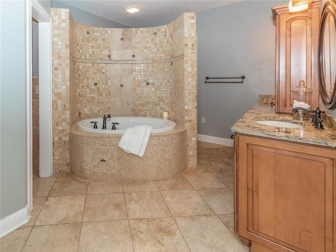 10924 Harbor Bay Drive Fishers IN 46040 | MLS 21703725 | photo 19