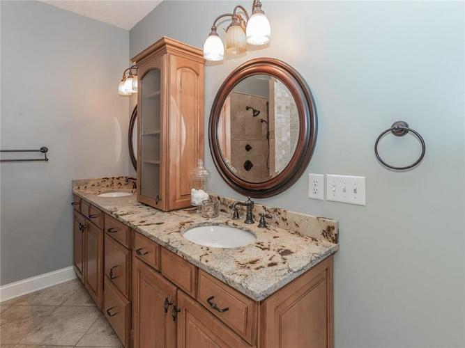 10924 Harbor Bay Drive Fishers IN 46040 | MLS 21703725 | photo 20
