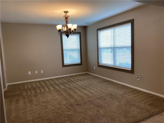 11227 Corsair Place Noblesville IN 46060 | MLS 21703763 | photo 2