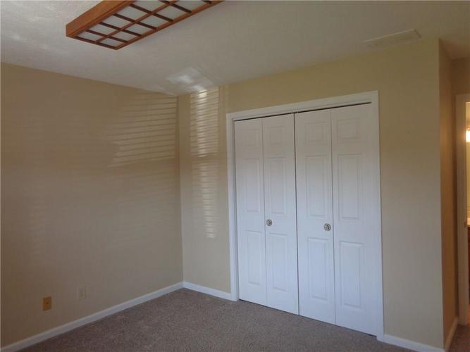 901 PEPPERMILL RUN Greenwood IN 46143 | MLS 21703861 | photo 11
