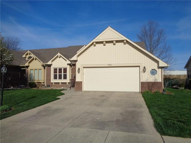 901 PEPPERMILL RUN Greenwood IN 46143 | MLS 21703861 | photo 3