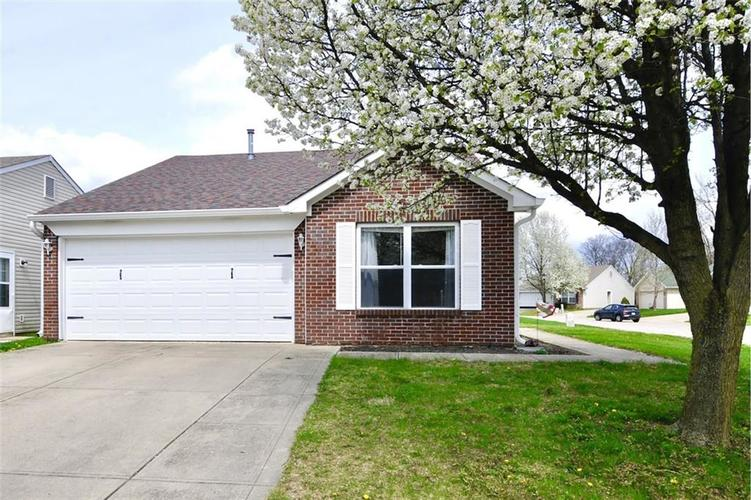 1016 Ebony Circle Franklin IN 46131 | MLS 21703927 | photo 1
