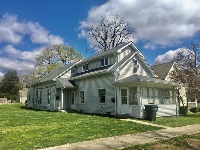 216 E LINCOLN Street Greenfield IN 46140 | MLS 21704046 | photo 1