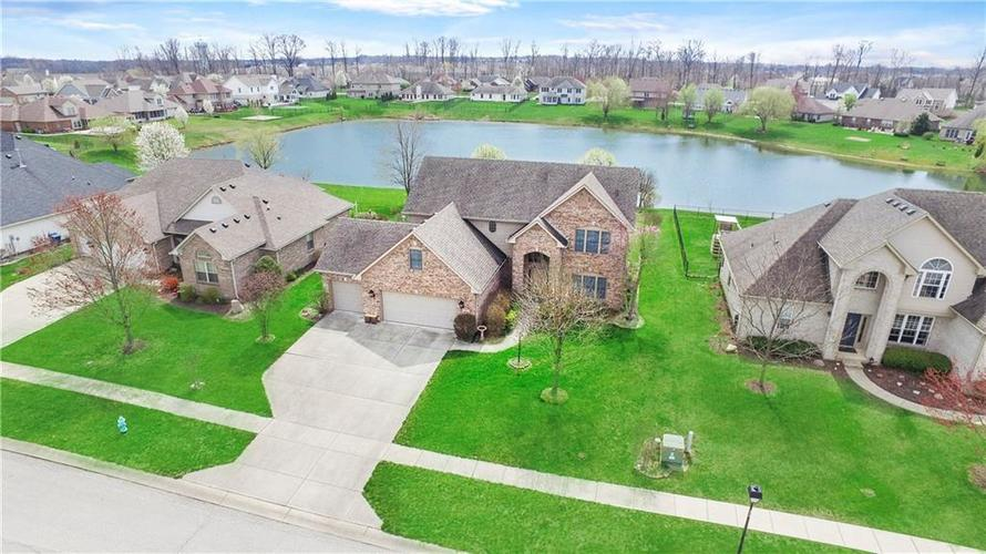 7227 Sunset Point Drive Indianapolis IN 46259 | MLS 21704062 | photo 1