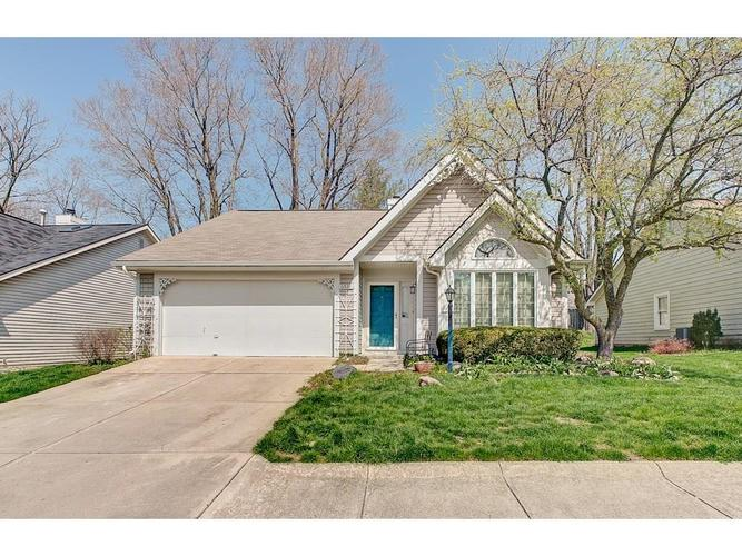 6534 Aintree Place Indianapolis IN 46250 | MLS 21704095 | photo 1
