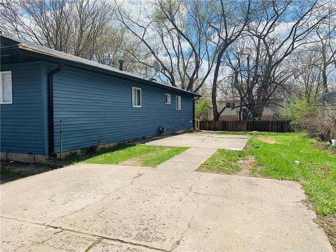 9433 E 42nd Street Indianapolis IN 46235 | MLS 21704098 | photo 12