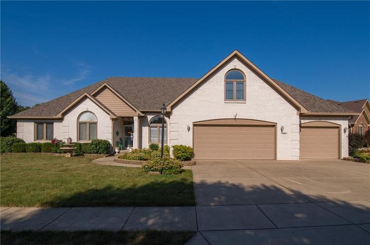 7542 Donegal Drive Indianapolis IN 46217 | MLS 21704171 | photo 1