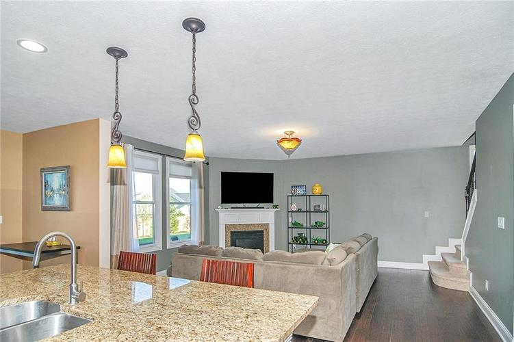 10249 NORMANDY Way Fishers IN 46040 | MLS 21704301 | photo 10