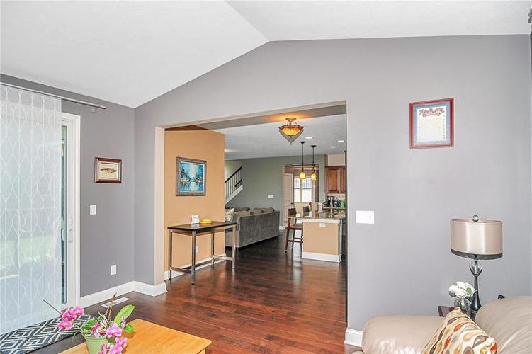10249 NORMANDY Way Fishers IN 46040 | MLS 21704301 | photo 13