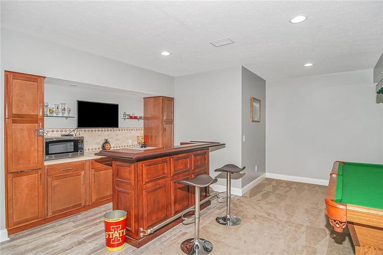 10249 NORMANDY Way Fishers IN 46040 | MLS 21704301 | photo 17