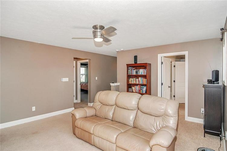 10249 NORMANDY Way Fishers IN 46040 | MLS 21704301 | photo 22