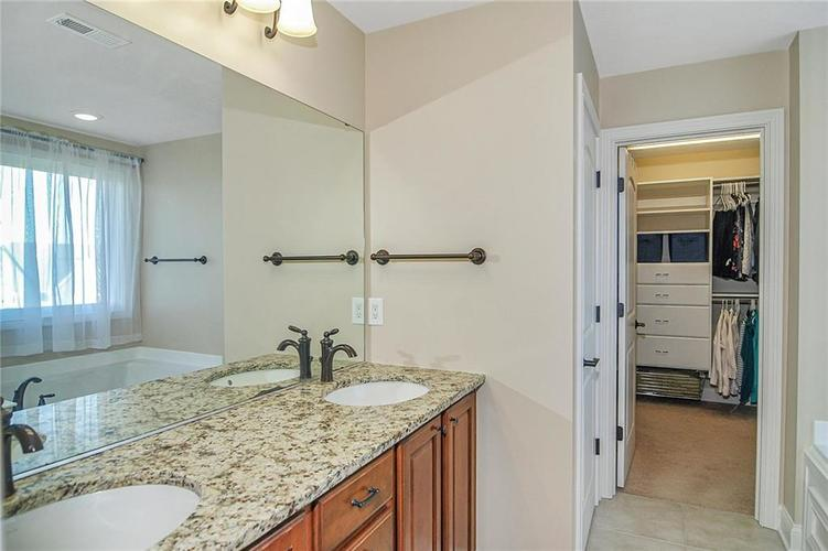 10249 NORMANDY Way Fishers IN 46040 | MLS 21704301 | photo 27