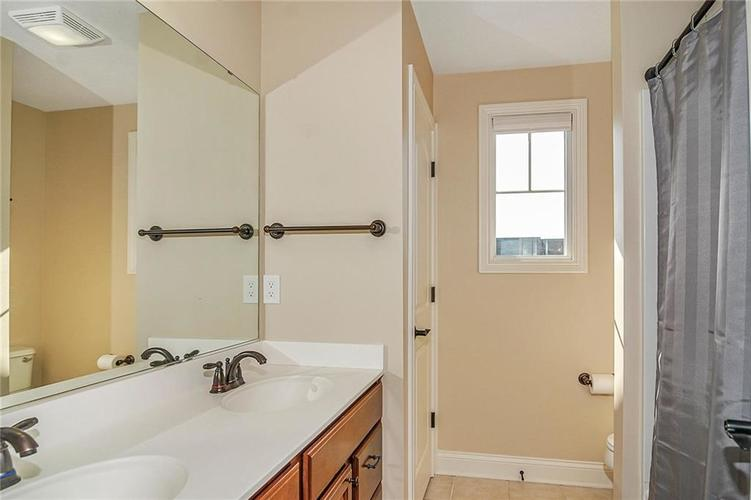 10249 NORMANDY Way Fishers IN 46040 | MLS 21704301 | photo 33