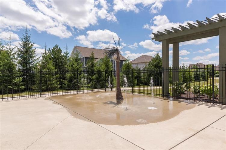 10249 NORMANDY Way Fishers IN 46040 | MLS 21704301 | photo 41