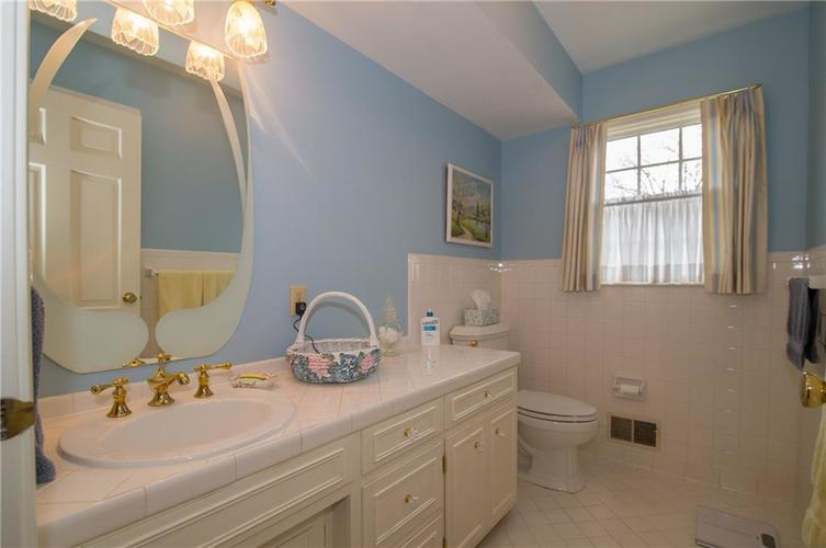 8133 Ecole Street Indianapolis IN 46240 | MLS 21704352 | photo 20