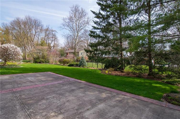 8133 Ecole Street Indianapolis IN 46240 | MLS 21704352 | photo 30