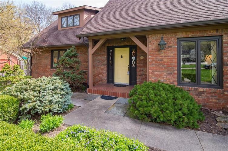 8133 Ecole Street Indianapolis IN 46240 | MLS 21704352 | photo 4