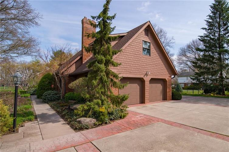 8133 Ecole Street Indianapolis IN 46240 | MLS 21704352 | photo 5