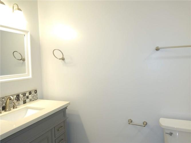 9825 E Stardust Drive Indianapolis IN 46229 | MLS 21704399 | photo 12