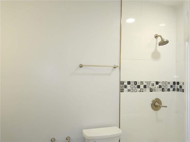 9825 E Stardust Drive Indianapolis IN 46229 | MLS 21704399 | photo 13