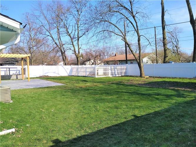 9825 E Stardust Drive Indianapolis IN 46229 | MLS 21704399 | photo 3