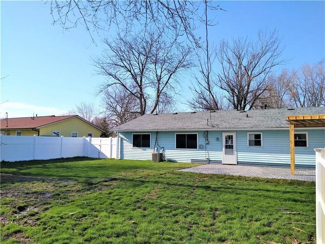 9825 E Stardust Drive Indianapolis IN 46229 | MLS 21704399 | photo 4